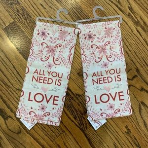 New PRIMITIVES by KATHY Set of 2 Love Dish Towels